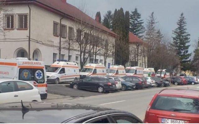ambulanțe parcate